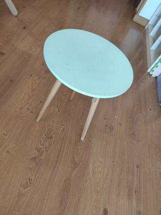 mesa auxiliar redonda turquesa