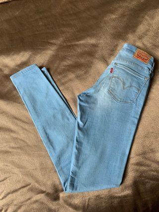 Pantalones Levis 710 Super Skinny talla 25