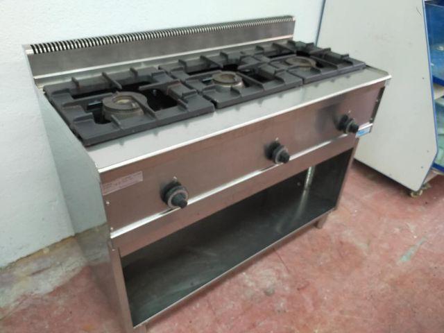 Cocina de 3 fuegos españoles
