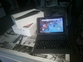 """Tablet 8"""" con funda y teclado"""