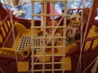 Barco Peter Pan y el capitán Garfio