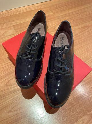 Zapatos de marca española Wonders.