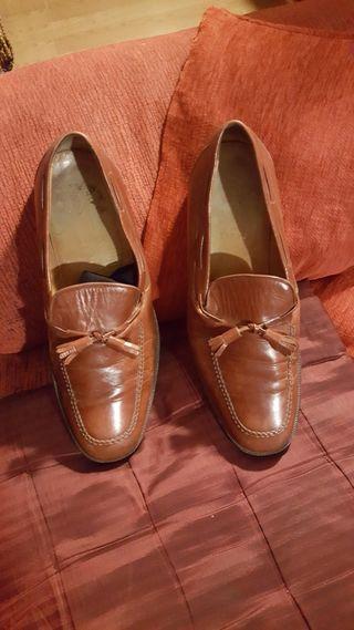 zapatos piel .