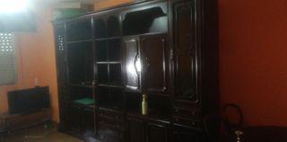 Mueble bar de salón antiguo.
