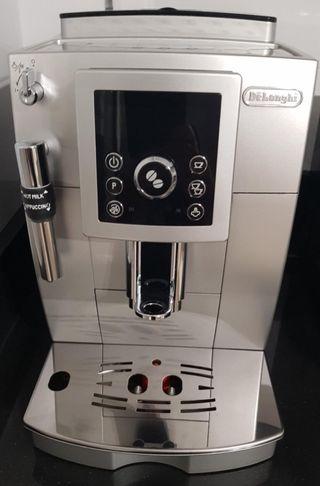 Cafetera superautomática Delongui