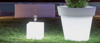 Muebles con luz para exterior o interior