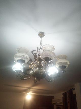 Lámpara antigua decorativa