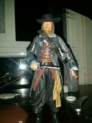 muñeco pirata