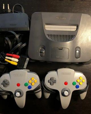 Nintendo 64 con cables ,cargador y mando. Perfecto