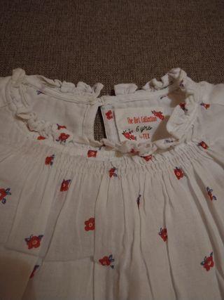 Blusa de florecitas. Talla:6