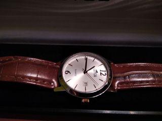 Reloj lotus nuevo