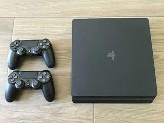 Vendo PlayStation 4 con 2 mandos
