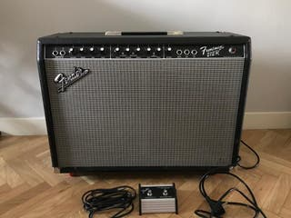 Amplificador de guitarra Fender Frontman 212r