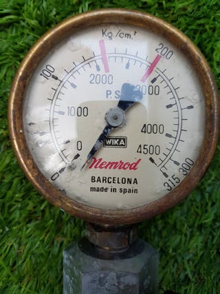 Antiguo manometro de superficie NEMROD.