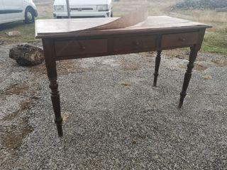 Mesa antigua de despacho para restaurar