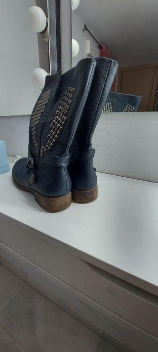 botas de mujer con tachuelas
