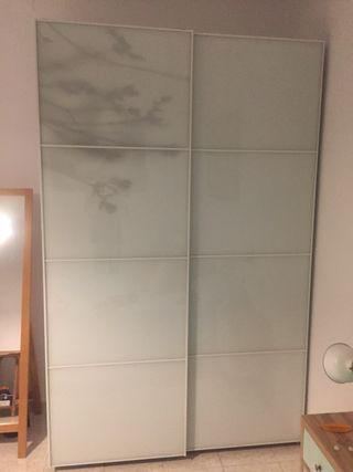 Armario Pax Ikea con puertas correderas de cristal
