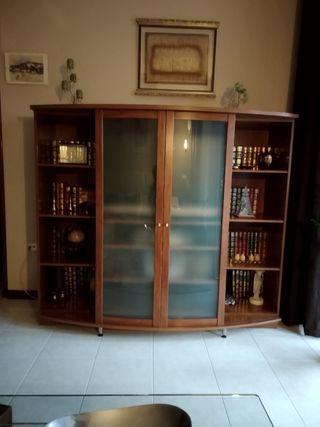 mueble de salón muy ,nuevo. puertas correderas