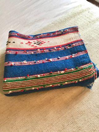 Manta / Edredón africano rústico de lana.