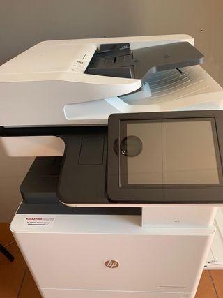 Impresora multifuncional. HP