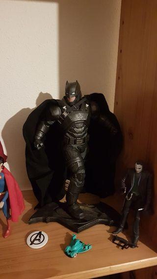 Figura hot toys de BATMAN