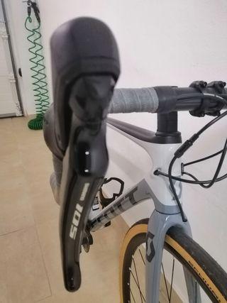 bicicleta de carretera Scott Addict 20 disc