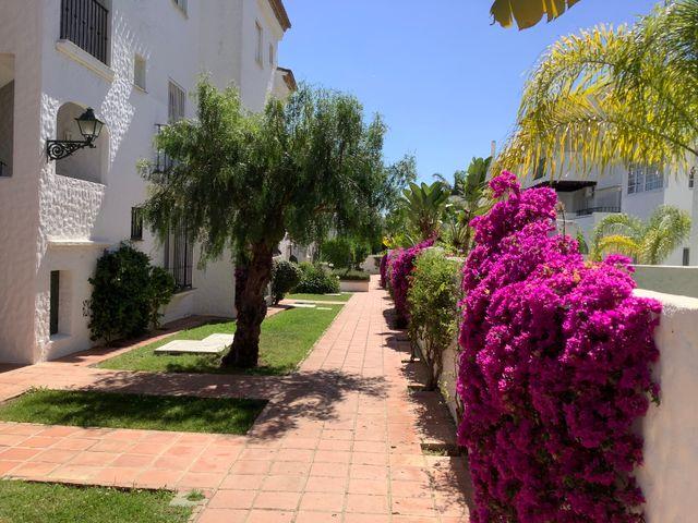 5-6 Geminis. 2 dormitorios, 2 baños. (El Paraíso, Málaga)