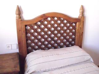 Cabecero rústico de cama de 90 cm.