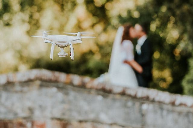 GRABACIONES CON DRON DE BODAS Y BAUTIZOS