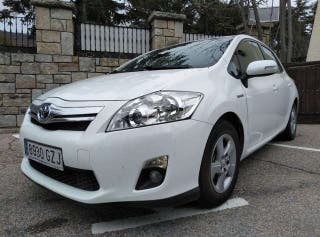 Toyota Auris Híbrido (finales 2010)