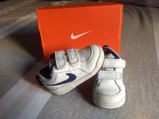 Zapatillas deporte Nike niño niña 21