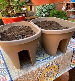 Jardineras balcón anclaje + tierra