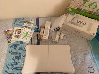Wii + Wii fit plus