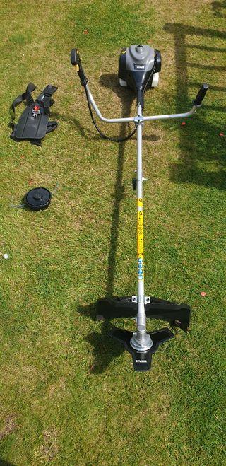 Titan 43cc Petrol Brushcutter/Strimmer