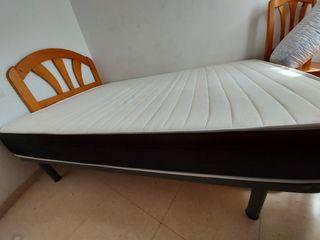 cama 150cm × 130cm seminueva