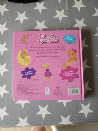 gran libro de puzzles Barbie