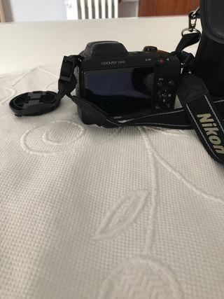 Cámara de fotos digital de Nikon