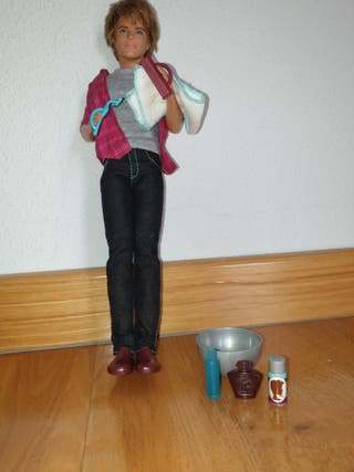 muñeca ken barbie barbi