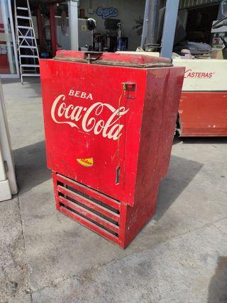 Nevera antigua Coca Cola.