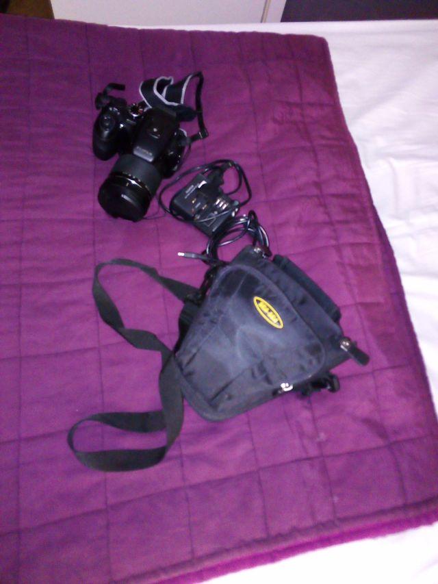 Cámara de fotos Fujifilm Finepix S100FS