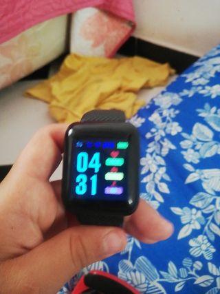reloj de aguja y reloj inteligente