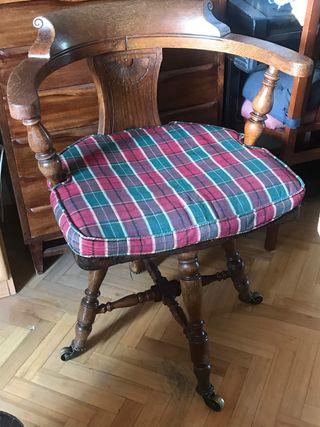 Silla escritorio estilo antiguo