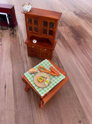 Muebles y accesorios casita de muñecas