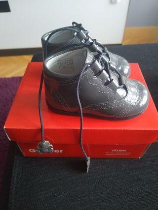 Zapatos niña, talla 19, como nuevos
