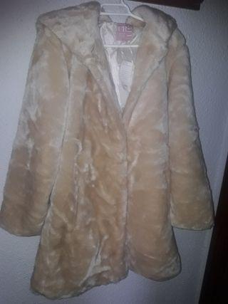 Abrigo color beige