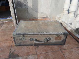 maleta antigua principio siglo XX