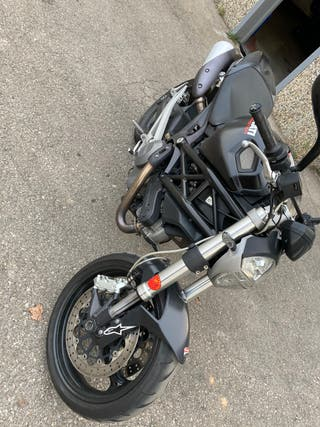Ducati monster 696 abs plus