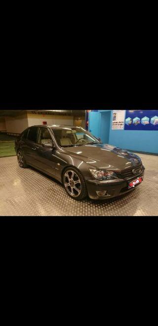 Lexus IS 2004