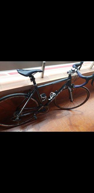 vendo bicicleta scott de carretera por 500€