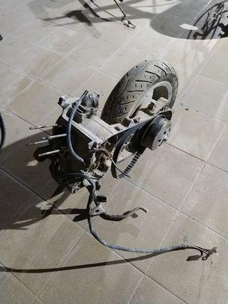 motor Piaggio Zip 49